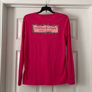 Ladies vineyard vines Christmas tee